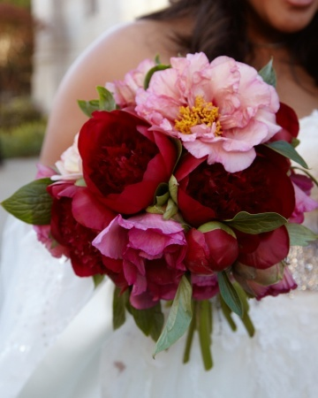 bright-red-flower-pink-bouquet