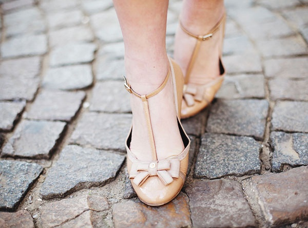 brown cream bow heels