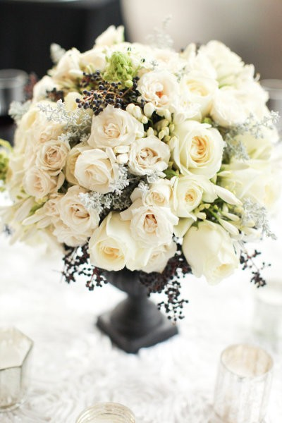 centerpieces for wedding white black berry