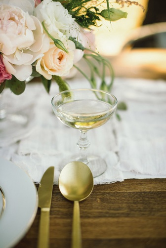 champagne wedding drinks