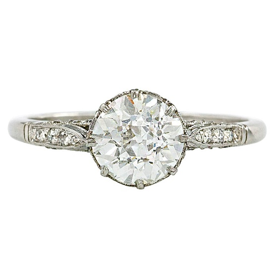 diamond-silver-engagment-ring