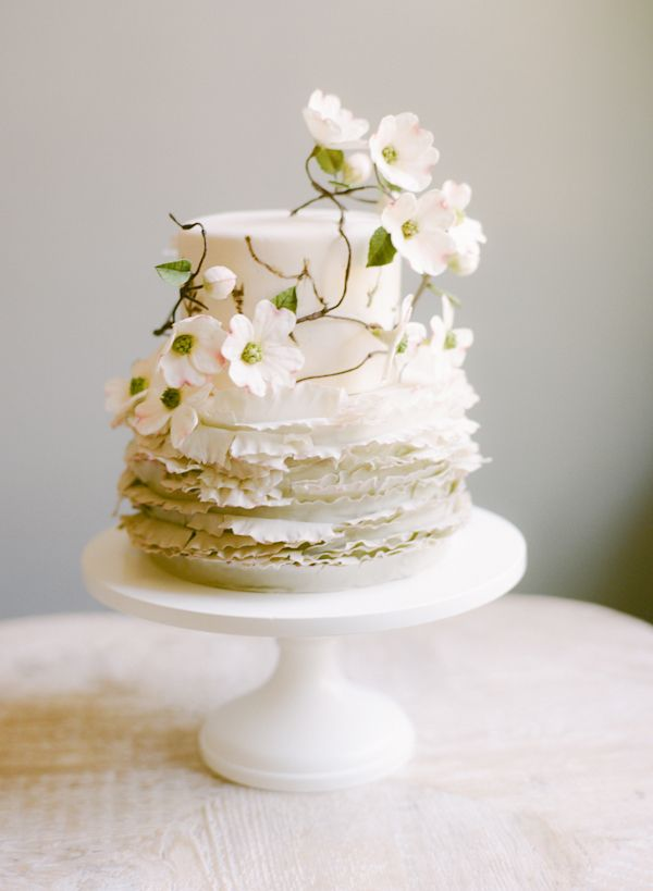 Dogwood White Flower Wedding Cake Maggie Austin Once Wed
