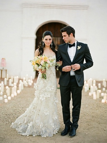 elegant black tie wedding candle lined walkway