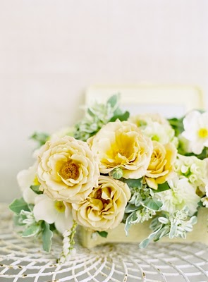 elegant yellow flower wedding centerpiece