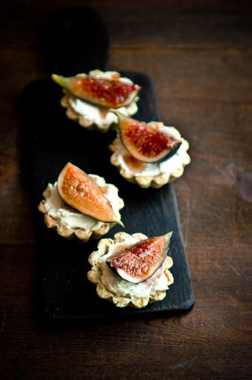 fig tart wedding food