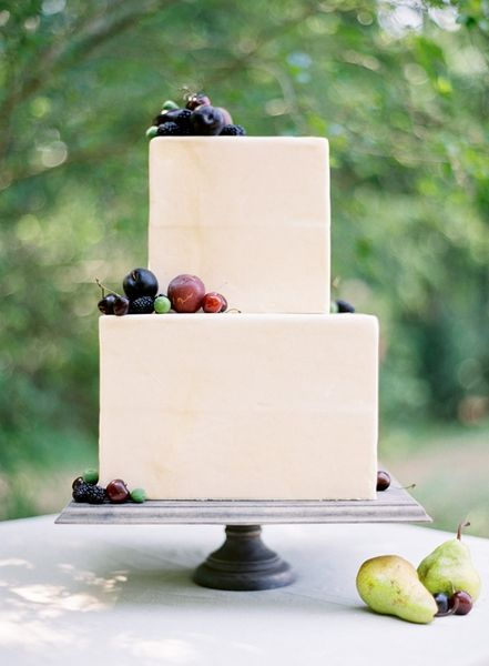 fresh berry wedding cake