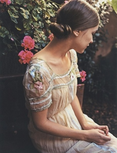 garden dress low bun