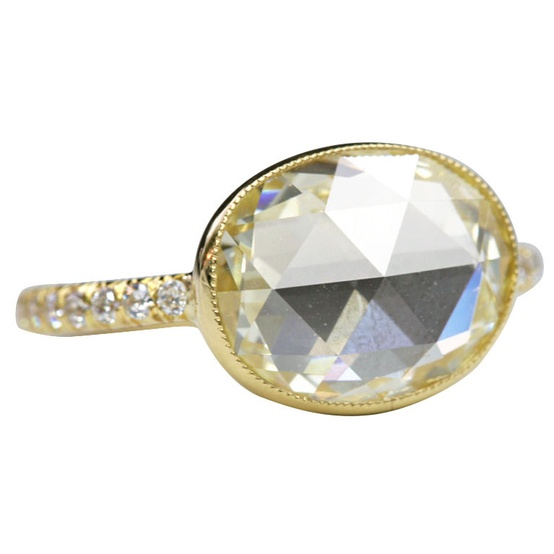 gold ring oval diamond