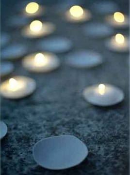 gray candles wedding decor