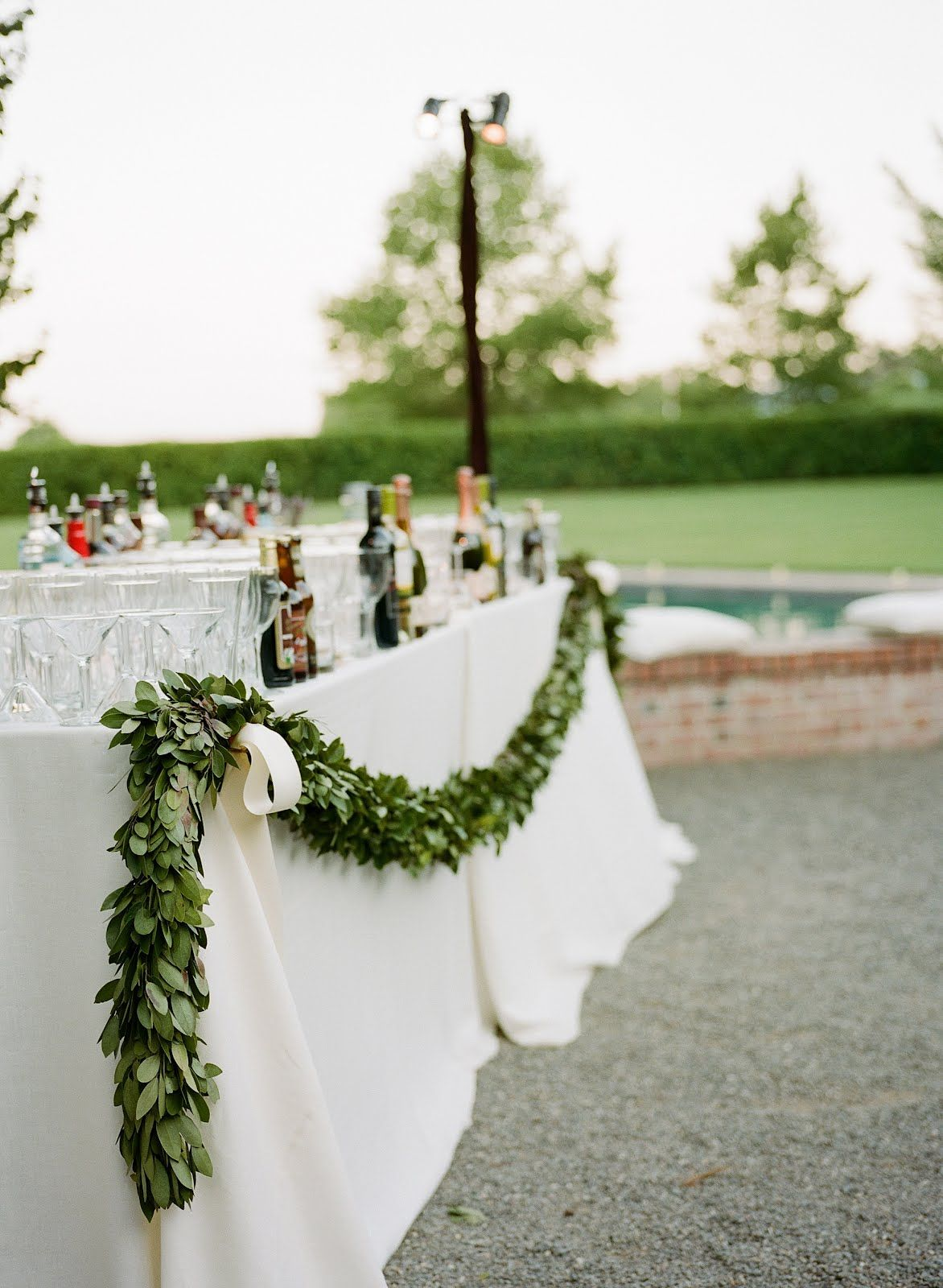 green garland drink table