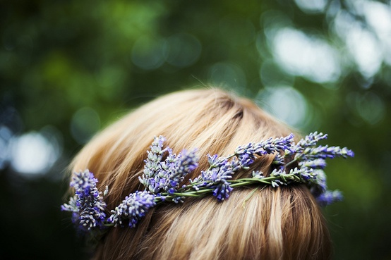 http://www.oncewed.com/wp-content/uploads/2012/12/green-home-lavender-wreath.jpeg