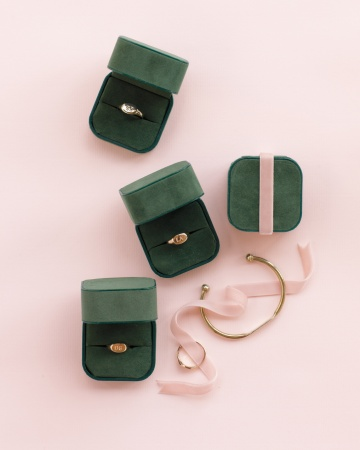 green ring boxes gold jewery