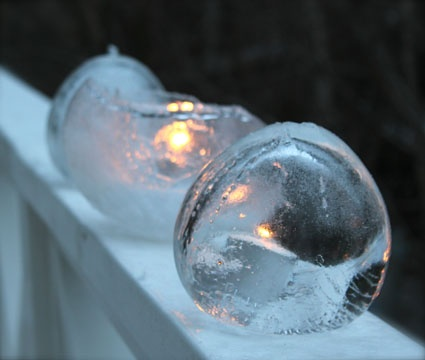 ice art with balloons
