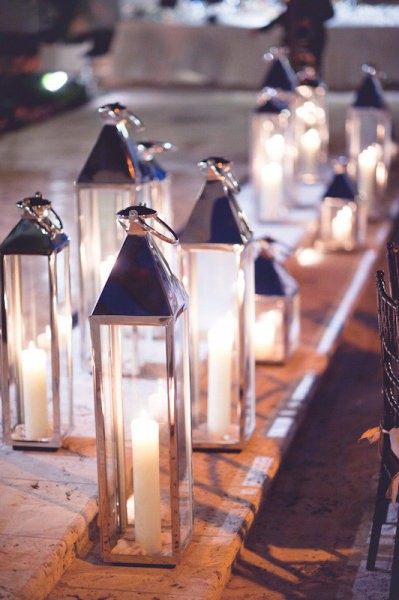 lanterns candles wedding decor