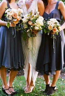 navy-bridesmaid-dress-bouquets