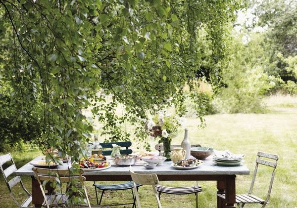 outdoor meadow wedding table