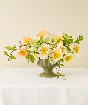 pale yellow wedding reception centerpieces