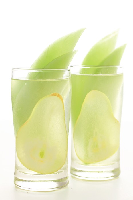pear simple wedding cocktail