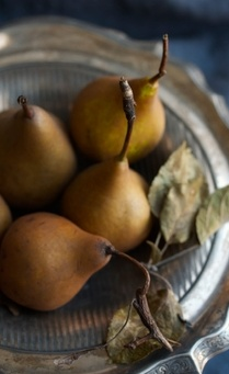 pears silver dish decor