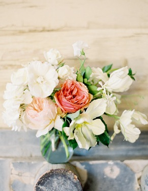 pink-white-small-centerpiece
