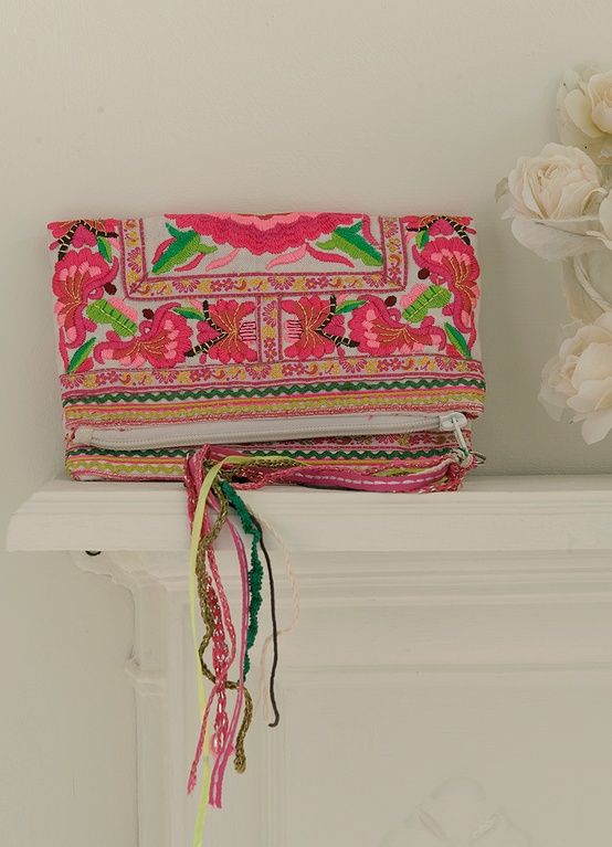 product clutch pink