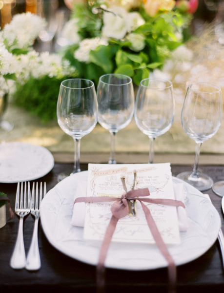 purple ribbon place setting