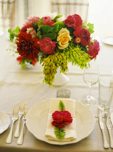 red flower green fern bright-purple-flower-centerpiece