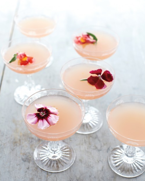 rose champagne wedding cocktail