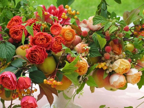 rosey peach wedding reception centerpieces