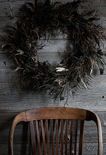 saipua black feather wreath