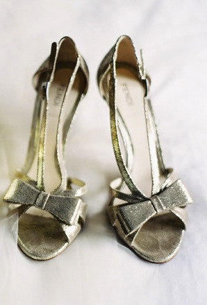 silver-wedding-shoes-ideas