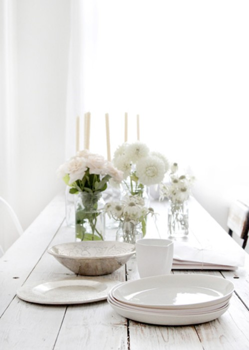 simple white table decor