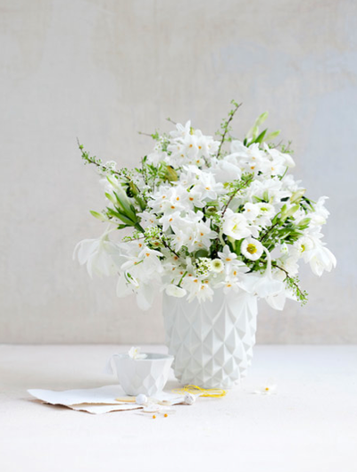 soft-white-flower-wedding-centerpiece