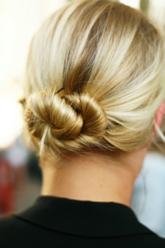 twist low bun