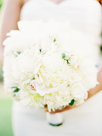 wedding bouquet white flowers