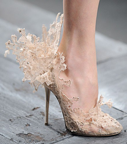 lace valentinos