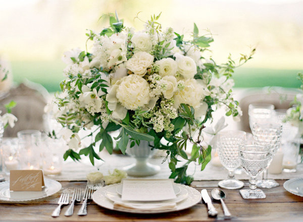 white blooming wedding centerpiece