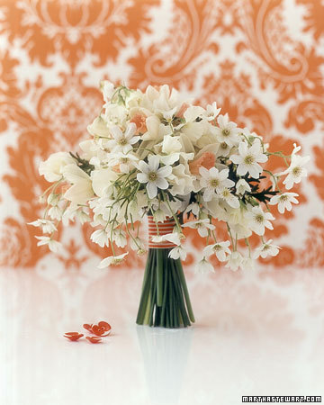white-flower-bouquet-peach