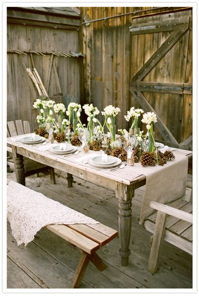 white-flower-clear-vase-reception-tables