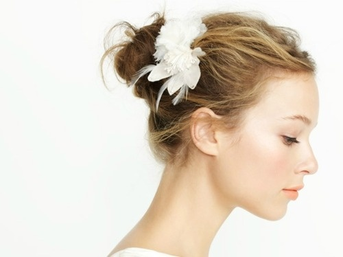 white hairpiece wedding