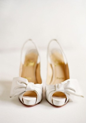 white heel wedding shoes