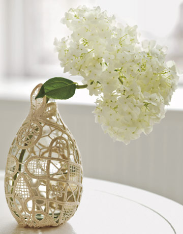 white hydranga wedding centerpiece