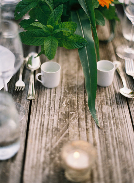 white mug reception table