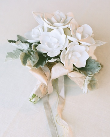 white succulent bridal bouquet