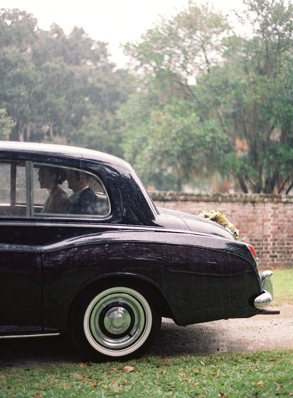 charleston-wedding-getaway-car