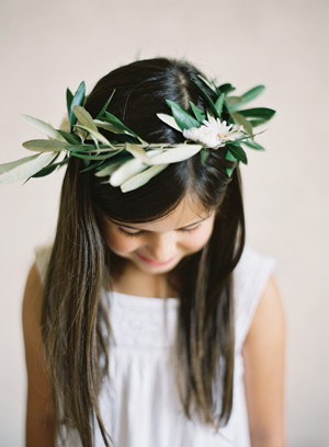 flower-girl-head-wreath
