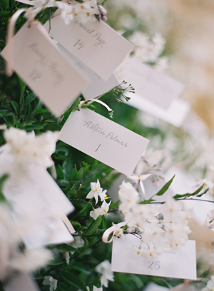 flower-wedding-escort-cards