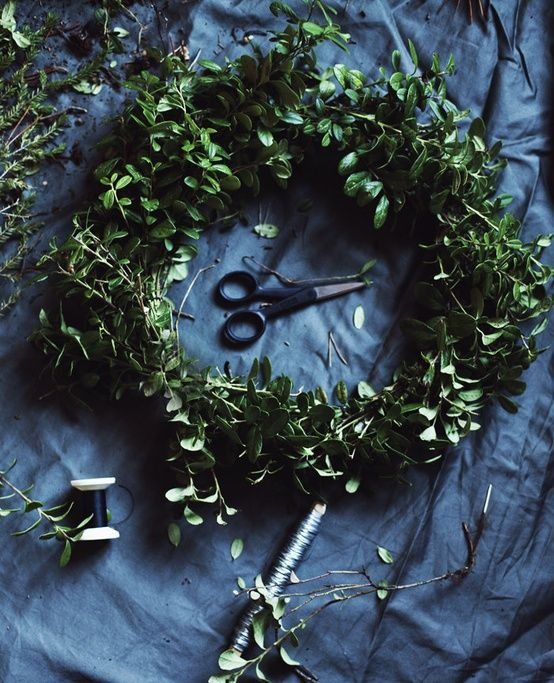 green-wreath-winter