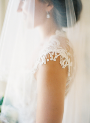 lace-tulle-wedding-veil