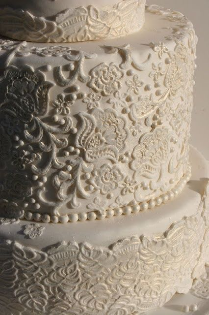 White Lace Wedding Cakes